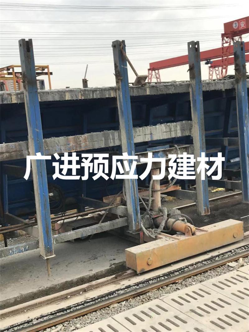 深圳外环高速二标段制梁场拉模用精轧钢筋